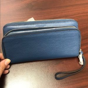 NWT Coach accordion zip wallet with wrist strap